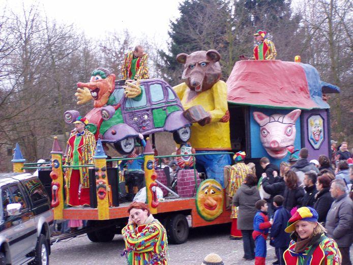 De gemeente gaat met de Raad van Elf overleggen voor een 'properder carnaval'