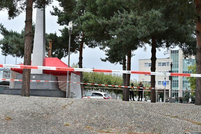 Het Stationsplein in Apeldoorn is afgezet.