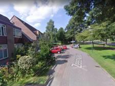 Man berooft 17-jarig meisje in Veenendaal: pakt telefoon af en grist oorbellen uit haar oren