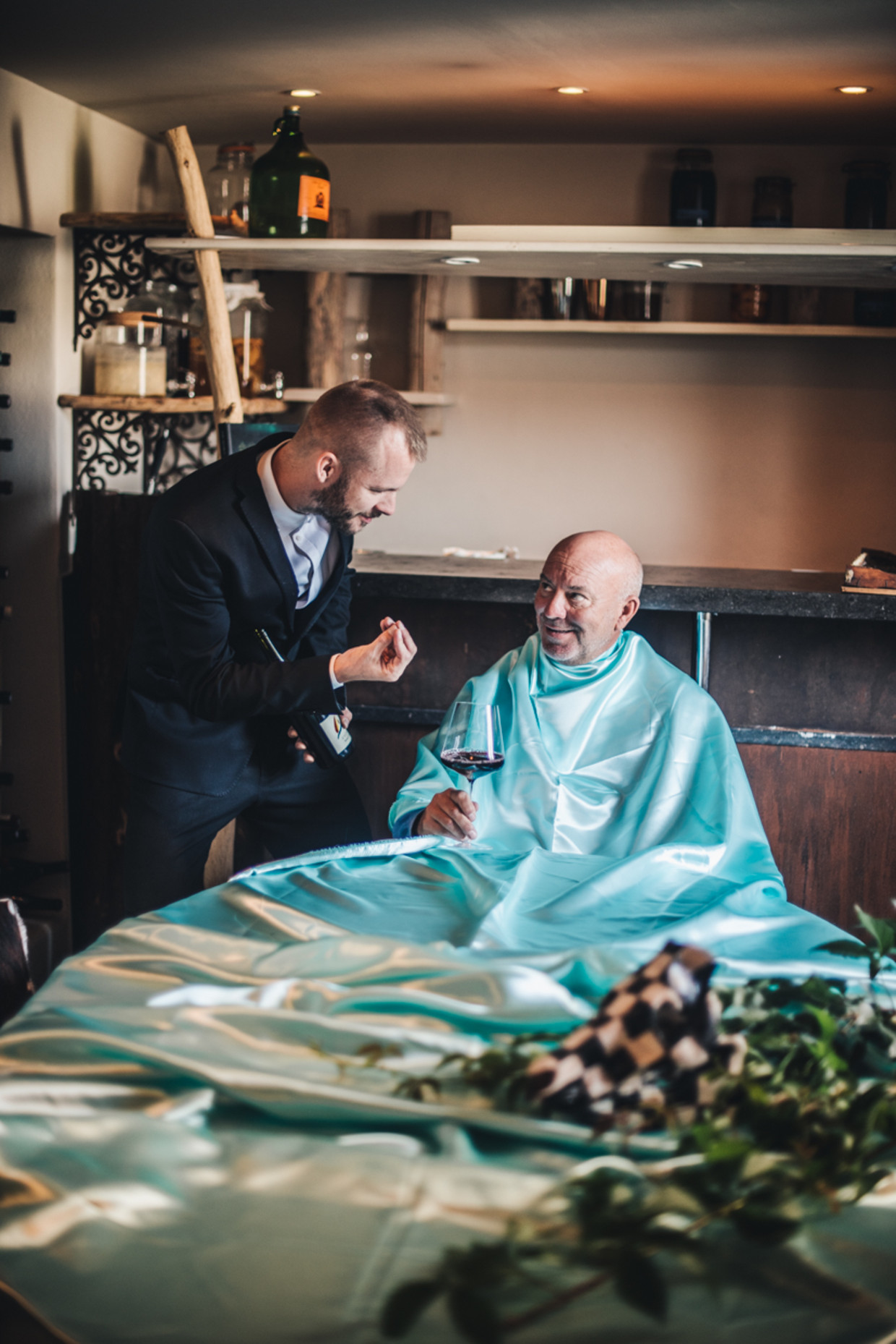 Cyriel en Piet Huysentruyt: 'Op papier heeft papa nog weinig te zeggen, maar neem hem weg uit het restaurant, en we hebben een probleem.' Beeld Carmen De Vos