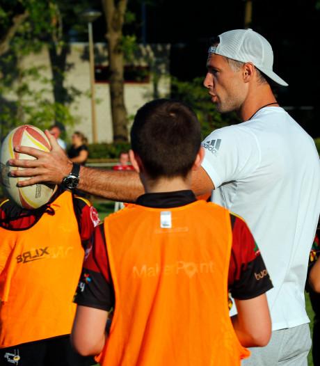 Clinic rugby aan jeugd in Valkenswaard: 'Je moet jonge rugbyers helden geven zoals Tim'
