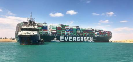 Egypte neemt blokkeerschip Suezkanaal in beslag om kostenpost van 900 miljoen