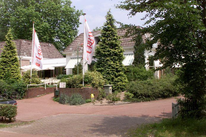 Urbana in 1999. Het restaurant en zalencentrum sluit komend voorjaar voorgoed de deuren en is daarmee de zoveelste in de rij verdwenen feestlocaties in Zwolle.