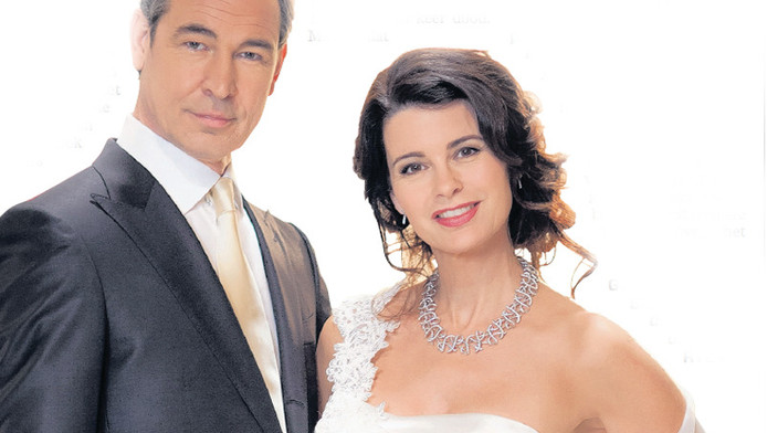 Hedendaags Mary Borsato ontwierp trouwjurk Janine | TV & Radio | AD.nl BL-43