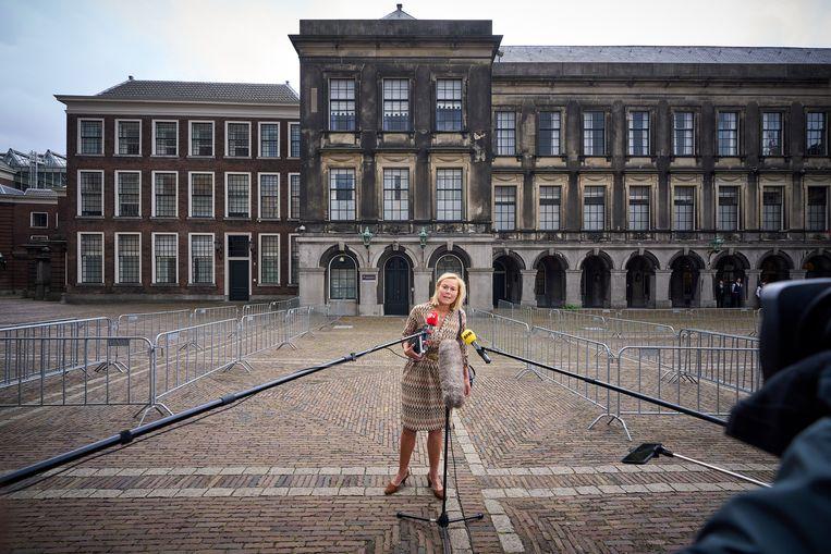 Onderhandelaar Sigrid Kaag (D66) op het Binnenhof maandag na haar gesprek met informateur Mariëtte Hamer. Beeld Phil Nijhuis