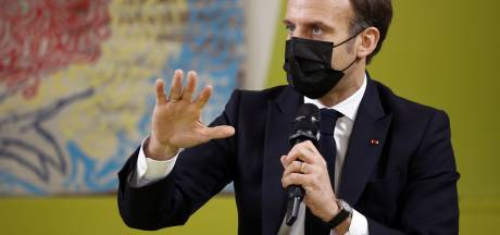 Macron souhaite le retour des étudiants un jour par semaine à l'université et deux repas par jour à un euro