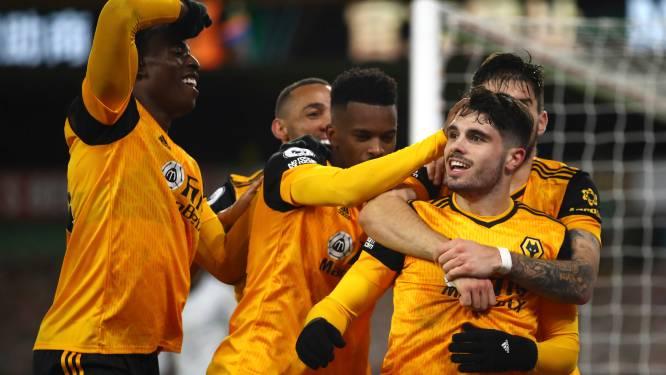 Wolverhampton en Dendoncker vieren na doelpunt in de extra tijd tegen Chelsea