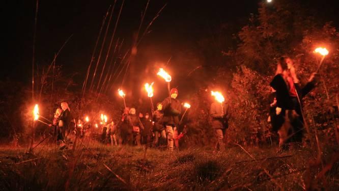 Fakkeltocht in en rond Iddergem tijdens 'Nacht van de Duisternis'