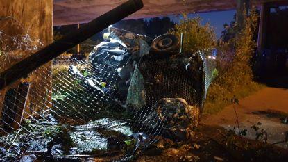 Twee zwaargewonden bij spectaculair ongeval op afrit E19