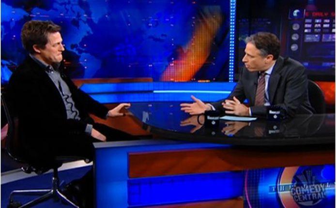 Hugh Grant, toen hij wél nog welkom was bij Jon Stewart.