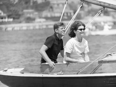 In Kringloopwinkel Helmond ontdekte foto van JFK blijkt ineens veel waard