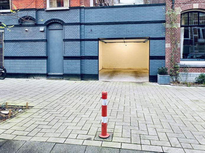 Wanneer de garagebox weggaat voor de vraagprijs, is het de duurste parkeerplek ter wereld.