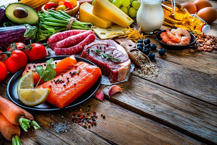 Groenten, vlees en vis: bij koolhydraat eten sla je pasta, brood en suiker over.