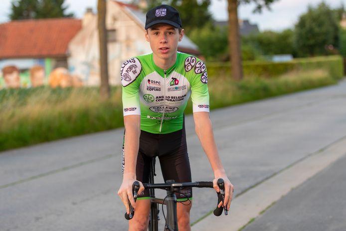 Leander Van Hautegem is een klimmerstype. Dat zette hij in Tour du Valromey in de verf.