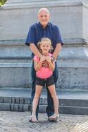 Leo van der Velde met kleindochter Rachel.Voor rubriek Lieve Rachel.
