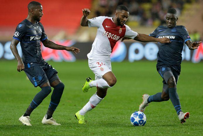 Moussa Sylla in duel met Stefano Denswil, in een Champions League-wedstrijd tussen AS Monaco en Club Brugge in 2018.