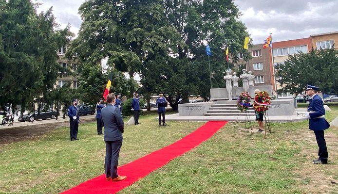 Morgenochtend zal onder meer burgemeester Bart De Wever hulde brengen aan de agenten die gestorven zijn tijdens de beide oorlogen.