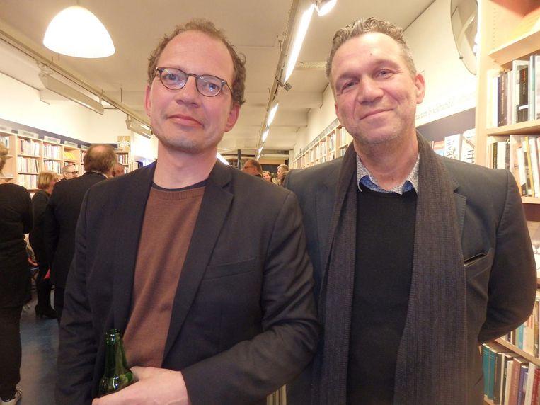 Jasper Henderson (l) en Oscar van Gelderen, beiden van uitgeverij Lebowski, de small en big Lebowski dus, maar die grap is vast al vaker gemaakt Beeld Schuim
