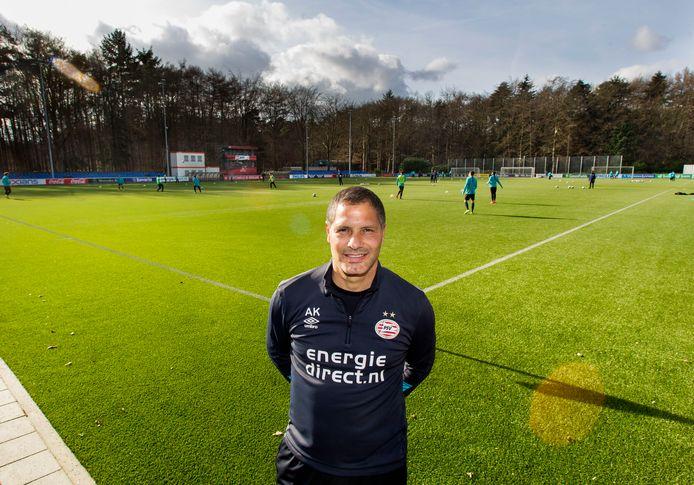 Abe Knoop is nu keeperstrainer bij PSV.