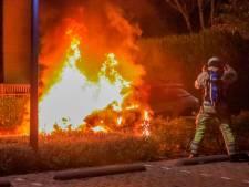 Auto in vlammen op in Amersfoortse wijk Randenbroek, volop onderzoek naar oorzaak