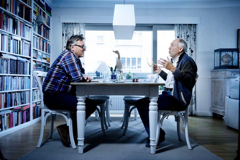 Wim Van Rooy aan tafel met Joël De Ceulaer.  Beeld Eric de Mildt