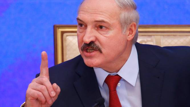 "Coronavirus slaat ook in Wit-Rusland hard toe, maar de president wil van geen lockdown weten: ""Drink wodka"""