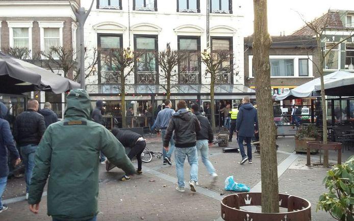 Rellen in de binnenstad van Almelo, voorafgaand aan de wedstrijd tussen Heracles en FC Utrecht.