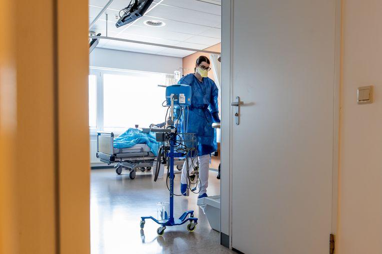 Limburgs ziekenhuis: 'Met beter vaccinatiebeleid was deze covidpatiënt niet opgenomen, minister'