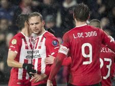 PSV speelt de ellende  van de Kuip van zich af