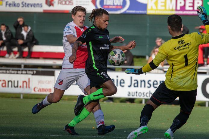 Johnsen Bacuna blijft voor een zevende seizoen speler van Berkum.