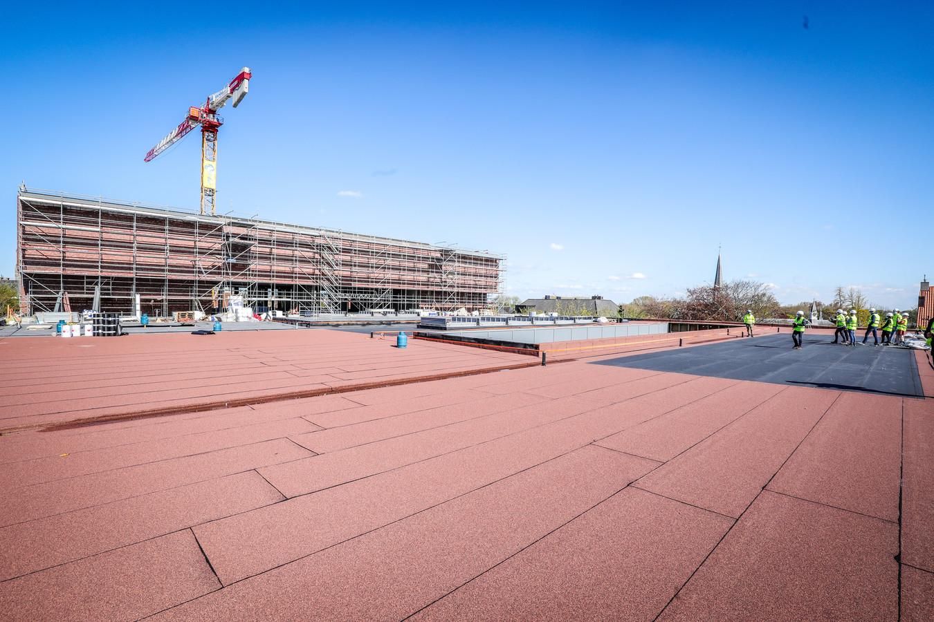 Het dak van het Beurs- en Congresgebouw.