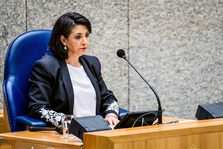 Kamervoorzitter Khadija Arib dinsdag tijdens het debat in de Tweede Kamer over het aanwijzen van en opdracht verlenen aan een informateur.  Beeld ANP