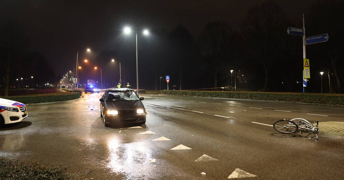 Ernstig ongeluk met fietser op Flevoweg in Kampen.