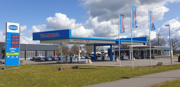 Het omgekleurde tankstation in Wesepe.