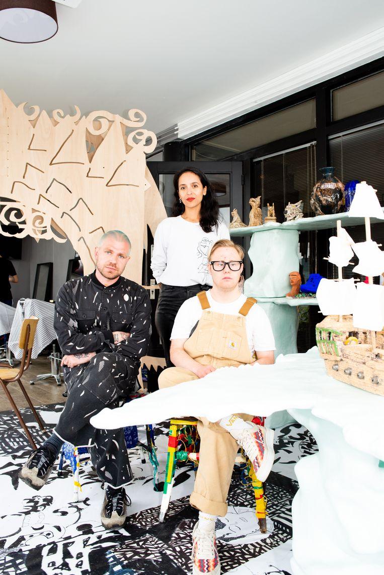 Carly Renwarin, Jan Hoek en Bruin Parry. Galerie Outsiderland. Beeld Marjolein van Damme