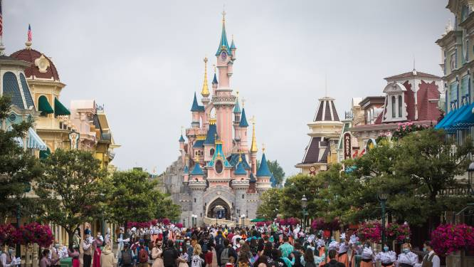 Disneyland Paris mikt op 2 april om weer open te gaan