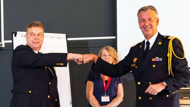 Brandweerkruis voor Nijverdaller Schuijn bij zijn afscheid: 'Jij was een verbinder'