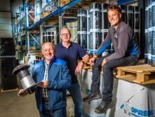 Wolfgang Mulders zwaait na ruim 45 jaar af bij Denekamps dakdekkinsgbedrijf