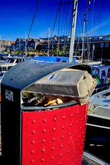 Dordtse prullenbakken puilen uit: wat is de oplossing?