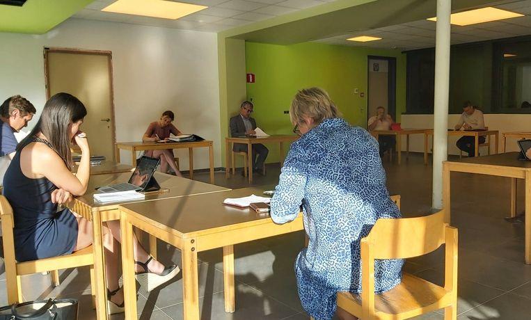 De gemeenteraad in Vleteren kwam, voor het eerste sinds de coronacrisis, samen in de kleine zaal van De Sceure.