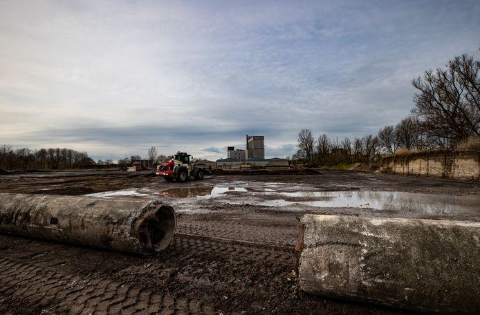 Op dit terrein aan de Churchilllaan in Helmond komt een nieuw bedrijfsgebouw.
