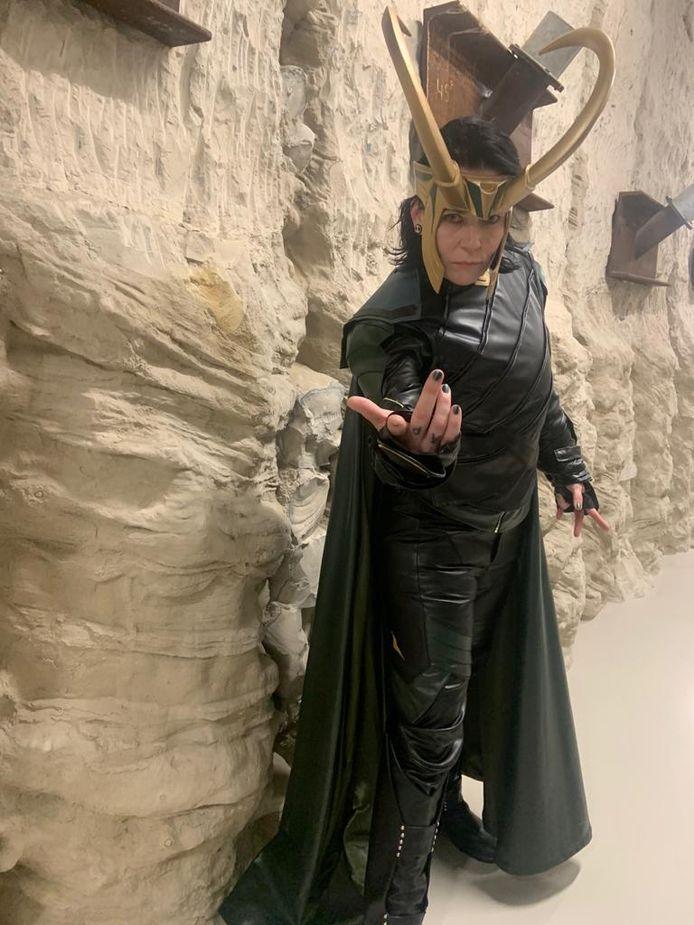 Bianca Borsten, alias Loki uit de strips van Marvel, vindt in parkeergarage Boulevard de ideale fotoplek voor haar cosplay.