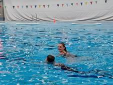 Nu zwemles vanaf dinsdag weer mag, wordt in de Vallei zelfs op zondag les gegeven