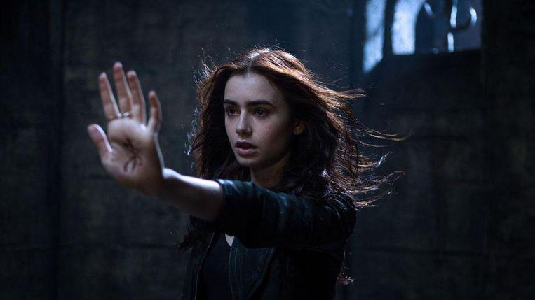 Lily Collins in The Mortal Instruments- City of Bones. Beeld