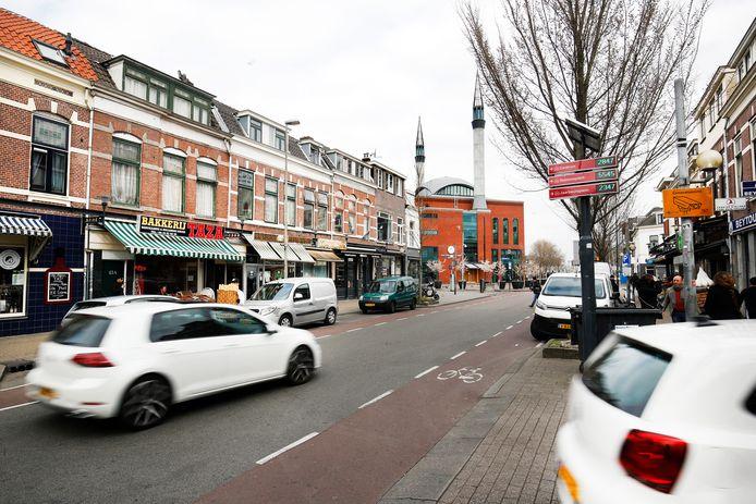 In de Kanaalstraat is veel overlast van hardrijders.