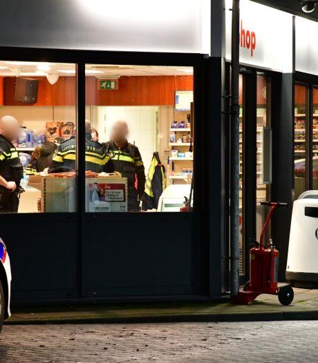Tankstation in Lelystad al vier keer beroofd of overvallen in januari: politie zoekt nu peukendieven