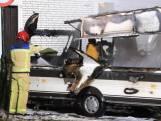 Caravan brandt volledig uit bij woonwagenkamp in Asten