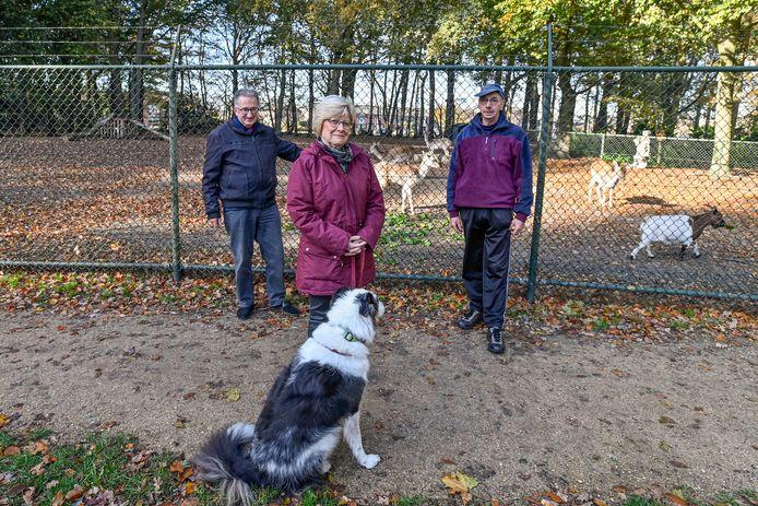 De werkgroep van het hertenkamp, vnlr Harry Mulkens, Annie van Hees en Wim de Jong.