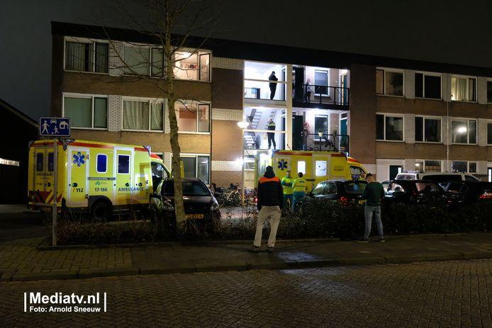 Ambulances spoedden zich naar de bewuste woning. Reanimatie mocht niet meer baten.