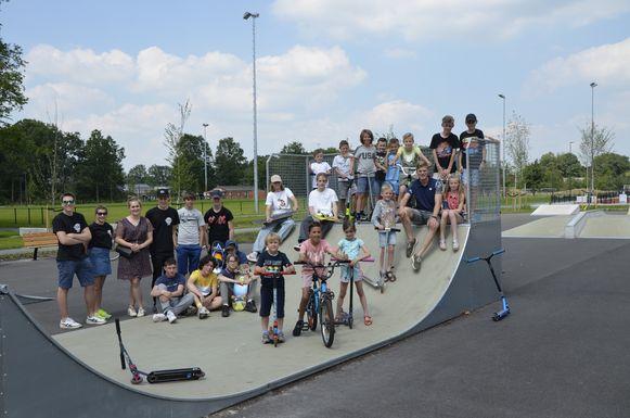 Het nieuwe skateplein is officieel geopend.